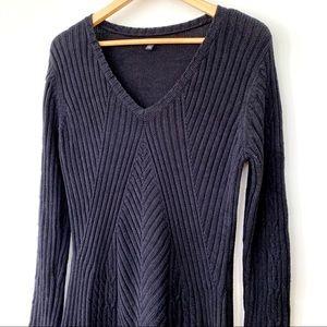 Apt. 9 black v-neck midi sweater dress